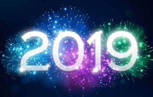 Buon anno da Happysocial.it, le frasi di auguri più originali e divertenti per WhatsApp o sms