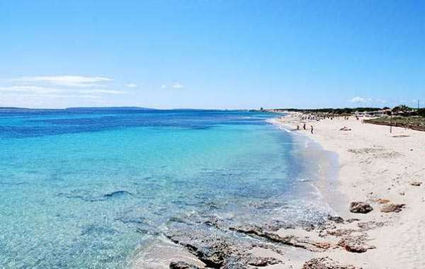 Le 9 spiagge più belle di Ibiza che non puoi perdere
